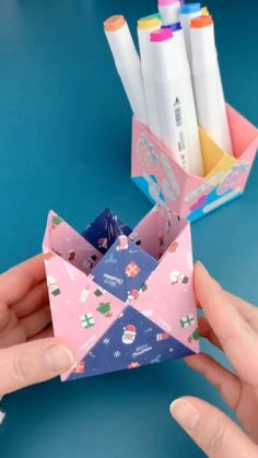 DIY PAPER BOX FOR PINS - You are in the right place about diy Here we offer you the most beautiful pictures about the diy - Diy Crafts Hacks, Diy Crafts For Gifts, Diy Home Crafts, Diy Arts And Crafts, Diy Crafts Videos, Diys, Cool Paper Crafts, Paper Crafts Origami, Paper Crafting