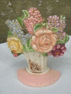 Antique Hubley No 479 Cast Iron Flower Basket Doorstop Bookend.