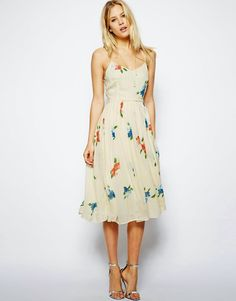 Browse online for the newest ASOS Midi Dress with Pleated Skirt in Floral Print styles. Shop easier with ASOS' multiple payments and return options (Ts&Cs apply). Day Dresses, Nice Dresses, Casual Dresses, Fashion Dresses, Summer Dresses, Floral Pleated Skirt, Floral Midi Dress, Asos Skirts, Robes Midi