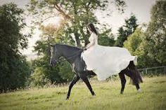 post wedding horse shoot?