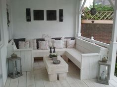 Self made garden furniture. Making it white makes it look so stylish Outdoor Life, Outdoor Rooms, Outdoor Gardens, Outdoor Living, Outdoor Decor, Garden Furniture, Outdoor Furniture Sets, Furniture Making, Gazebo