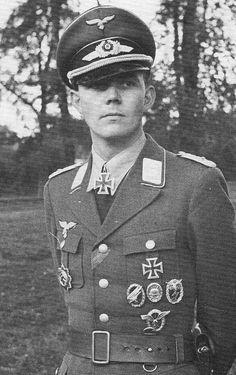 Luftwaffe, Paratrooper, German Soldiers Ww2, German Army, Ww2 Photos, The Third Reich, Military History, World War Ii, Troops