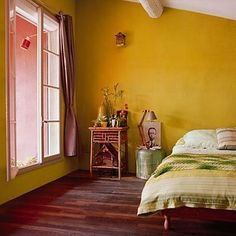 Delightful Yellow Bedroom Decoration And Design Ideas 37 Mustard Yellow Bedrooms, Mustard Yellow Walls, Bedroom Wall Colors, Bedroom Decor, Yellow Walls Living Room, Yellow Rooms, Bedroom Green, Kitchen Wall Colors, Kitchen Yellow