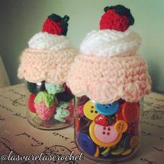 Las Varetas Crochet: Tapa de Frasco con Frutillas y Crema a Crochet