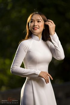Truly Horrible Design Choices That Will Drive You Nuts - Boredpedia Vietnamese Traditional Dress, Vietnamese Dress, Traditional Dresses, Desi Wedding Dresses, Beautiful Girl Indian, Ao Dai, Asian Woman, Sexy Dresses, Asian Beauty