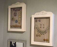Easy Jewelry Display idea Stella and Dot trunk show ideas vintage costume jewelry collection display MyMommaToldMe.com