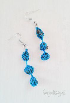 Horgoltságok, egyedi horgolt ékszerek #threadcrochetjewelry #crochetjewelry #crochetcolours #elegantjewelry #jewelrydesign #crochetstone