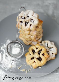 joulutorttu - pastries with prune/plum jam