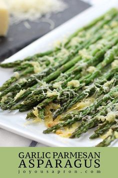 Garlic Parmesan Asparagus - Easy, healthy and delicious veggie side! Takes only 15 minutes to make! This asparagus side is filled with great flavors and textures. Perfect side to Labor Day cookouts or any day! Parmesan Asparagus, Asparagus Recipe, Garlic Parmesan, Garlic Broccoli, Baked Asparagus, Keto Side Dishes, Vegetable Side Dishes, Vegetable Recipes, Veggie Side