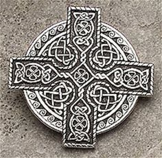 Celtic KING Cross Brooch - IRISH 4 LEAF CLOVER CLOAK Pin - Perfect for FLY PLAID