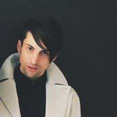 Mitch Grassi (@mitchgrassi) | Twitter WHY IS HE SO BEAUTIFUL?