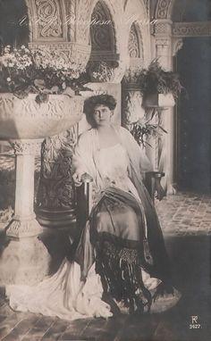 Queen Marie of Romania / A.S.R. Principesa Maria Postcard