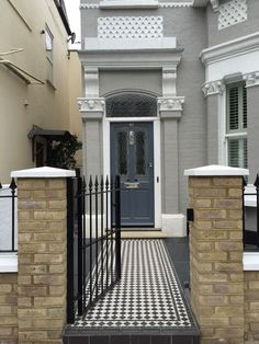 Black and white Victorian mosaic tile path front garden company London Black and white Victorian mosaic tile path front garden company London Victorian Front Garden, Victorian Front Doors, Victorian Terrace House, Terrace House Exterior, House Paint Exterior, Wall Exterior, Victorian Mosaic Tile, Victorian Homes Exterior, Front Path
