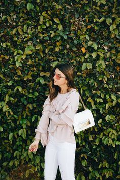 Fabulous Spring Outfits You Should Already Own Alexandra Pereira, Estilo Blogger, New Fashion Trends, Fashion Bloggers, Spring Outfits, What To Wear, Style Me, Cute Outfits, Bell Sleeve Top
