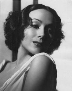 Dolores Del Rio 1920's - Such a stunning woman. Para ti nana<3 con todo mi amor vieja querida!