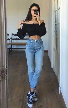 Musa do estilo: Mari Malibu - Guita Moda Style Converse, Outfits With Converse, Jean Outfits, Womens Converse Outfit, Outfits With Mom Jeans, Jeans And Converse, Tumblr Outfits, Outfit Jeans, Mom Jeans Outfit Summer