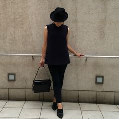 DOUBLE COMPRESSION WOOL SLEEVELESS TOP