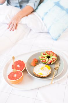 Breakfast in bed, please!