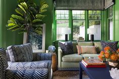Small Living Room Design Colors Fresh 15 Bold Interior Paint Hues for Your Home Curbed Living Room Green, Green Rooms, Living Room Paint, Cozy Living Rooms, Living Room Decor, Bedroom Decor, Green Walls, Living Spaces, Room Paint Colors