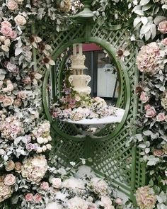 ~~ Wonderful wedding flowers installation by @byappointmentonlydesign at @bridestheshow in London! If you're a bride-to-be I highly recommend visiting the show today. #photooftheday #floweronacaptures #bridestheshow