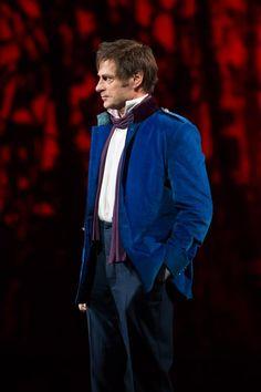 Simon Keenlyside como Onegin en la producción de Kasper Holten de Eugene Onegin. (Foto Bill Cooper)