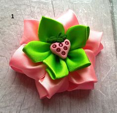 Strawberry hair clip Pink strawberry bow Green pink Summer