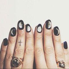 Nail polish: nails nail art moons pastel goth pastel grunge jewels nail accessories moon black white Yes. Nail Art Halloween, Halloween Nail Designs, Spooky Halloween, Halloween 2017, Cute Nails, Pretty Nails, Smart Nails, Funky Nails, Halloween Nail Art