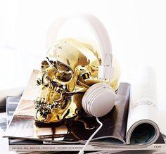 Skull Love! http://www.modemusthaves.com/musthaves.html