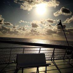 miekewester @miekewester Terschelling here I come #doeksen #rederijdoeksen #veerboot #ferry #weekendjeweg #vakantiegevoel
