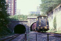 tunnel des gobelins train de marchandises Trains, Ouvrages D'art, Paris Tour, Tramway, Reportage Photo, Locomotive, Sims House, Gauche, Old Paris