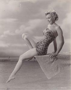 Marilyn Monroe | The original black&white pic <3