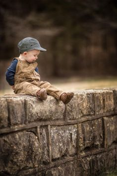 Louisville Kentucky based photographer Adrian Murray takes his inspiration from his children and country life. Shooting children's portraits outdoors is Precious Children, Beautiful Children, Beautiful Babies, Little People, Little Boys, Baby Pictures, Baby Photos, Cute Kids, Cute Babies
