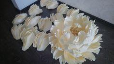 Ирина Терновская Paper Flower Art, Paper Flowers Craft, Large Paper Flowers, Giant Paper Flowers, Shabby Flowers, Faux Flowers, Flower Crafts, Diy Flowers, Fabric Flowers
