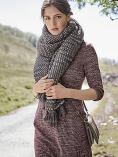 TANGO DRESS | Love the scarf too - this pairing wouldn't happen in real life because surely that scarf is super warm and the dress not so much...... But yeah, lovely colours together - I'd love to knit a chunky, fleck patterned scarf like that!
