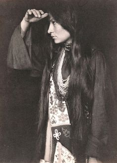 Gertrude Käsebier (1852-1934, American), 1898, Photo of Zitkála Šá (1876-1938) (Red Bird). She was a Sioux (Yankton Dakota) writer, editor, musician, teacher and political activist. She wrote several works chronicling her youthful struggles with identity and pulls between the majority culture and her Native American heritage. Her later books in English were among the first works to bring traditional Native American stories to a widespread white readership.