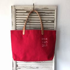 Wax canvas medium size tote bag. Made with No9 wax canvas woven in Japan.  IND_BNP_0261 W 47cm H 28cm D12cm Handle 46cm