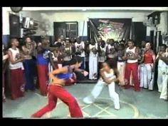 Capoeira Women!  rock on! This video is a tribute to all capoeira women in this world - Este video é um tributo a todas as mulheres capoeiristas de todo o mundo