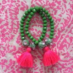 Green beaded bracelet - pink tassel @dibadani.store