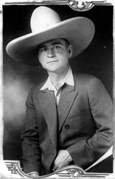 """LOUIS ALTERIE  Birth: Aug. 2, 1886  Death: Jul. 18, 1935    Organized Crime Figure. He was a member of Chicago's West side gang under Dion O'Bannion. He is often credited with inventing the """"one-way ride,"""""""
