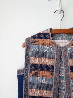 Vintage Quilted Vest // Cropped Folk Vest // by sparvintheieletree