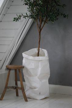 uashmama white paperbag | mixmix #mixmixreykjavik