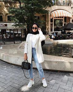 Hijab styles 339529259407487991 - 40 Ideas style hijab jeans chic Source by Casual Hijab Outfit, Hijab Chic, Casual Outfits, Fashion Outfits, Ootd Hijab, Hijab Dress, Casual Jeans, Jeans Style, Fashion Ideas