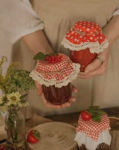 Cozy Aesthetic, Aesthetic Vintage, Aesthetic Food, Lizzie Hearts, Cute Cottage, Fairytale Cottage, Cute Food, Retro, Aesthetic Pictures