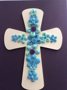 Cruz con flores