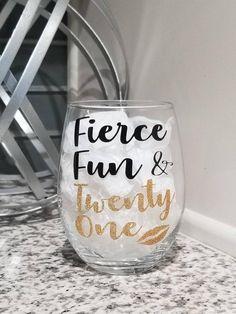 21st Birthday Glass, 21st Birthday Gifts For Girls, 21st Birthday Basket, Birthday Wine Glasses, 21st Bday Ideas, Happy 21st Birthday, Birthday Cup, 21st Gifts, Birthday Cake Girls