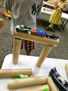 What's the strongest bridge you can build? Today's Topic: Bridge construction Supplies: blocks plastic drinking straws (or uncooked ...
