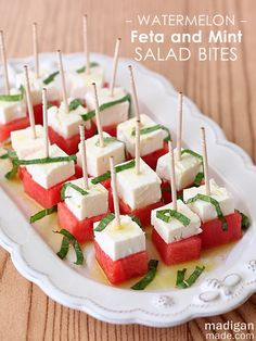 Easy watermelon feta and mint salad bites. Light and simple recipe for summer! via Easy watermelon feta and mint salad bites. Light and simple recipe for summer! Snacks Für Party, Appetizers For Party, Appetizer Recipes, Easy Summer Appetizers, Party Canapes, Shower Appetizers, Salad Recipes, Watermelon And Feta, Watermelon Recipes
