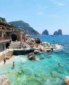 Vacation Destinations, Vacation Trips, Vacations, Capri Island, Capri Italy, Regions Of Italy, Sicily, Beautiful World, Places To Travel
