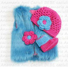 Vestuta Blanita Turcoaz albastra caciula si botosei asortati by Anamaria Ami