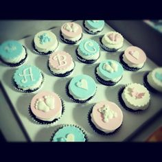 Baby shower cupcakes — Cupcakes!